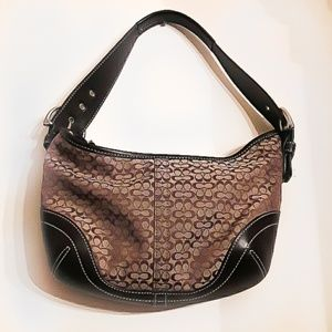 🔥 Coach like-new hobo bag In perfect condition.